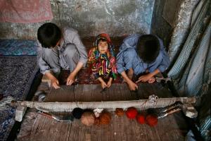 02090_10, Afghanistan; 08/1992,  AFGHN-14326NF. Children weaving rugs. retouched_Ekaterina Savtsova 04/16/2015